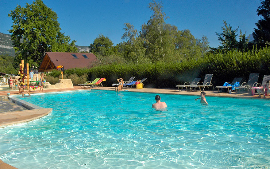 Hotel piscine annecy lac for Piscine a annecy